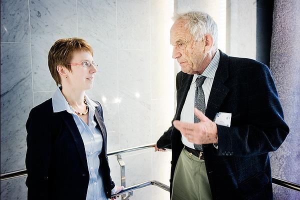 Maria Höglund tapasi v. 2012 Thomas Haugin, legendaarisen NMT- ja GSM-ryhmien puheenjohtajan.